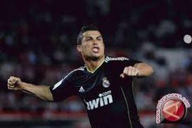 Dua Gol Ronaldo Bantu Real Kalahkan Osasuna