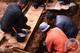 Walikota Padangsidimpuan Meletakan Batu Pertama Pembangunan Mesjid