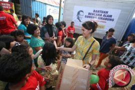 Pemkab Atasi Keterlambatan Bantuan Logistik Pengungsi Sinabung