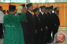 Wabup Asahan Lantik Sembilan Anggota BPSK