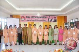 Dharma Wanita Harus Mensukseskan Program 100 Hari