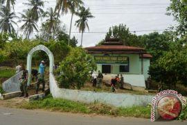 Jelang HUT TNI, Yonif 123/RW Gelar Karya Bakti