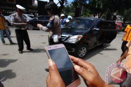Polisi tilang puluhan sepeda motor razia Subuh