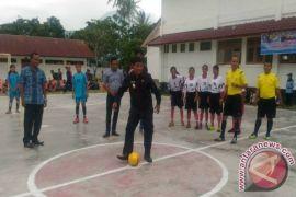 Wabup Samosir Buka Turnamen Futsal Harkitnas Cup