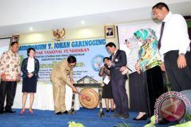 Unifersitas Efarina Seminar Nasional Pendidikan di Simalungun