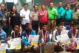 Kadispora Sumut Tutup Piala Gubsu di Samosir