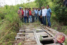 Bupati Pantau Rencana PT.TPL Bangun Plat Beton