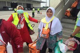 Jemaah Haji Kloter 18 Padangsidimpuan Tiba di Tanah Air