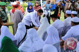 Bupati Simalungun Tepungtawari Jamaah Haji