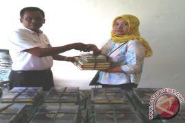 Pemkab Labuhanbatu Salurkan Seribu Al Qur'an