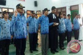 Wakil Bupati Samosir Lantik 31 Pejabat
