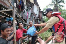 Wakil Walikota Tinjau Korban Banjir