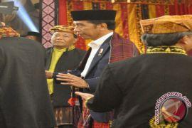Jokowi Beri Nasihat Dengan Bahasa Mandailing