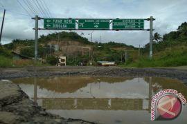 Jalan Provinsi di Padangsidimpuan Perlu Perhatian