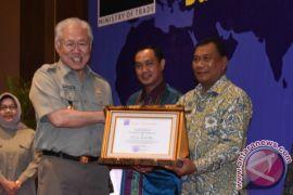 Deliserdang Raih Penghargaan Daerah Tertib Ukur