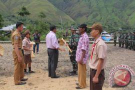 Bupati Samosir Buka Program Karya Bakti TNI