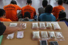 Polisi ringkus lima pengedar sabu-sabu