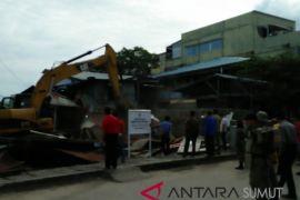 Pemkot Gunungsitoli tertibkan bangunan liar