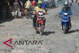 Warga Simarkaluang harapkan perbaikan jalan