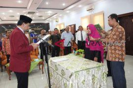 Hasrita dilantik jadi Dekan FKIP UISU