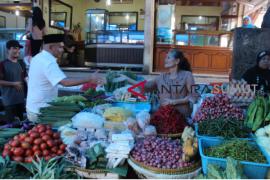 Harapan pedagang  kepada Rusydi Nasution
