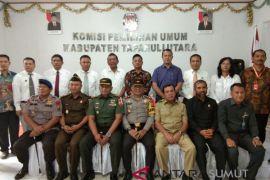 Tiga Paslon Pilkada Taput resmi ditetapkan