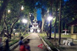 Taman kota tidak lagi gelap