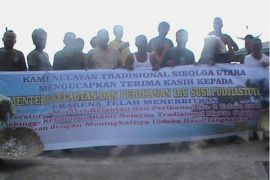 Nelayan Sibolga himpun seribu tandatangan