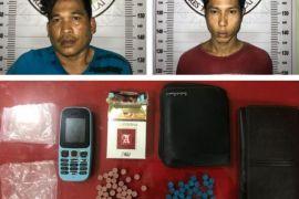 Polisi tangkap dua pemilik ekstasi