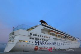 kapal pesiar kembali berlabuh di Kuala Tanjung