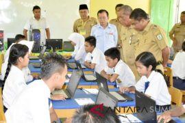 Wabup tinjau pelaksanaan ujian nasional SMP