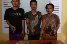 Empat pemuda ditangkap kasus narkoba