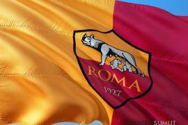 Roma lolos ke semifinal singkirkan Barca