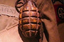 Sebuah granat ditemukan di perairan Danau Toba