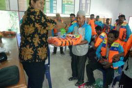 Dinas Perikanan Asahan Berikan Bantuan Fasilitas Perikanan Kepada Nelayan