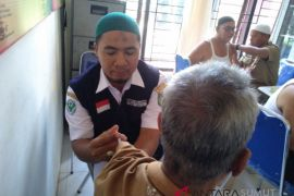 Dinkes Asahan suntikan vaksin kepada 402 calhaj