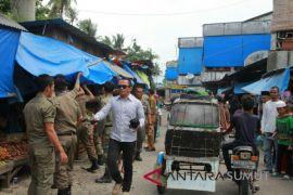 Dinas Perdagangan dan Satpol PP tertibkan pedagang