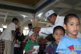 BKM raya Al Abror santuni 1000 yatim piatu