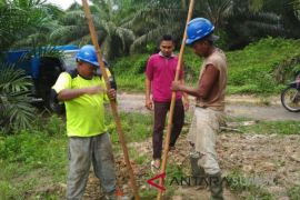 Desa terpencil Langkat menikmati aliran listrik