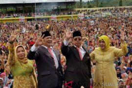 Irsan-Aswin dari jalur independent unggul di Padangsidimpuan