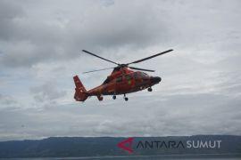 Helikopter Basarnas mendarat di Pelabuhan Tigaras