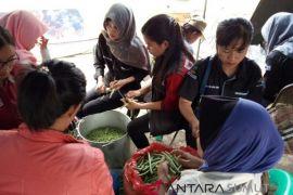 Dapur umum sediakan ribuan bungkus nasi