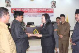 Dewan terima LKPJ Bupati Samosir 2017