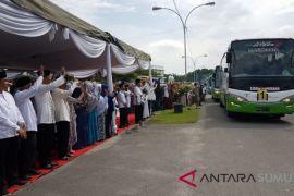Bupati Asahan Lepas Ratusan Jamaah Haji Menuju Makkah