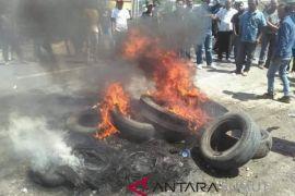Massa rusak kantor panwaslih Taput dan lumpuhkan jalinsum