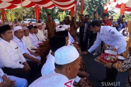 Tepung tawar 178 calon haji Simalungun