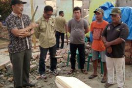 Mora Saleh bantu korban kebakaran