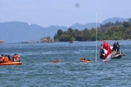 Walikota apresiasi pengibaran merah putih di laut Sibolga