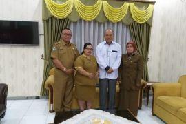 Walikota Tebing Tinggi terima petugas kesehatan teladan