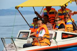 PT KAI sumbang kapal patroli Danau Toba